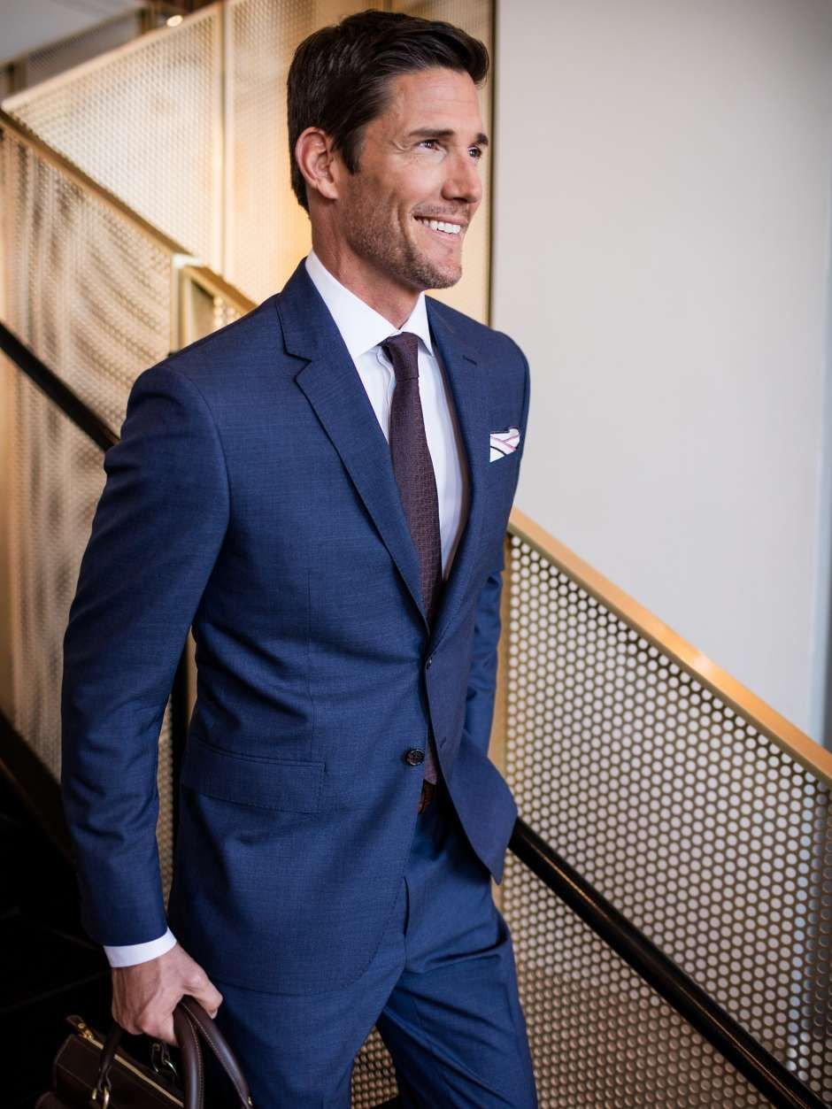 Pin by Wills on Suit Groom  Navy blue suit Suits