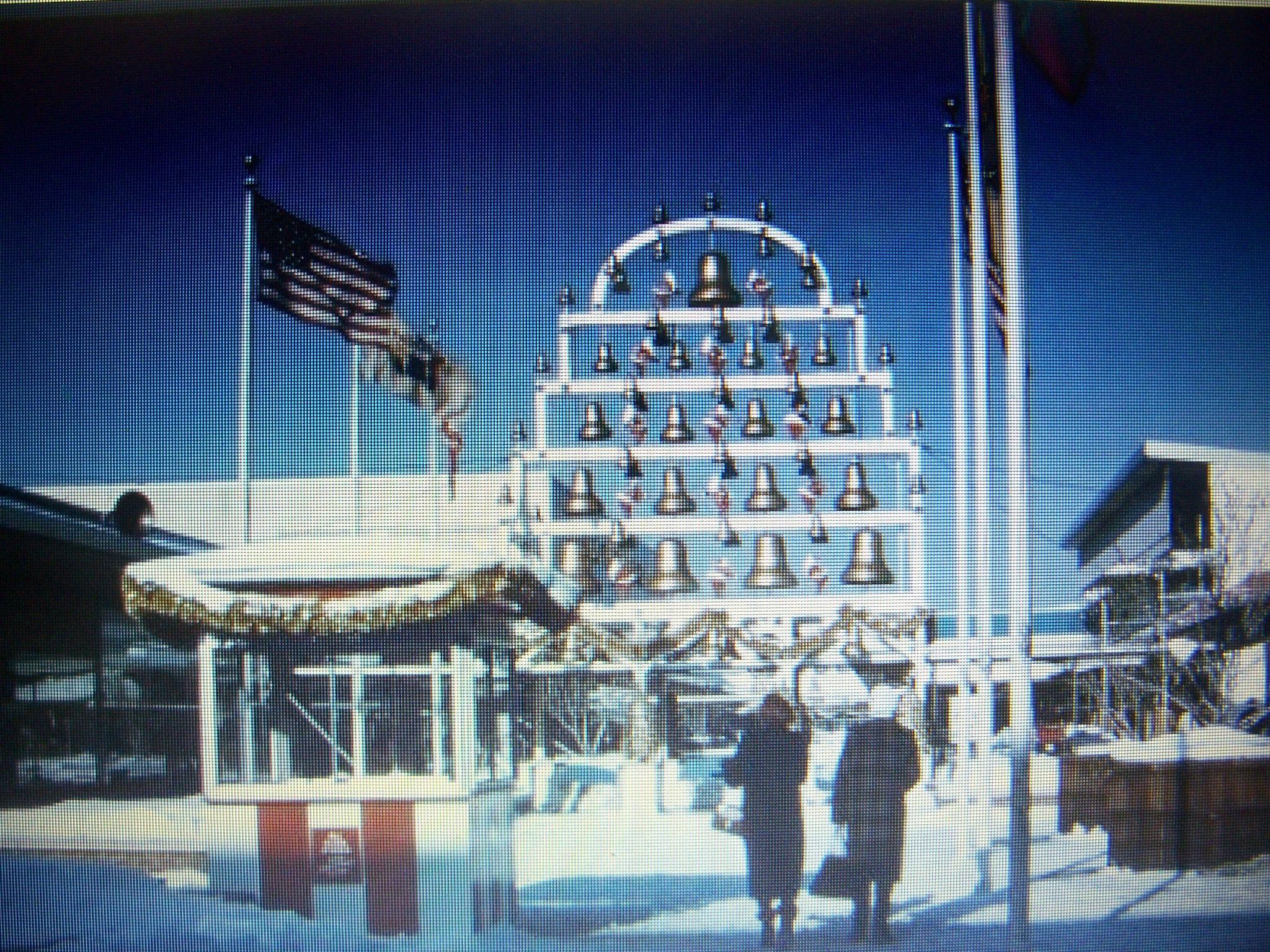 Roses In Garden: Paramus, NJ On Pinterest! The Chiming Bells At Christmas