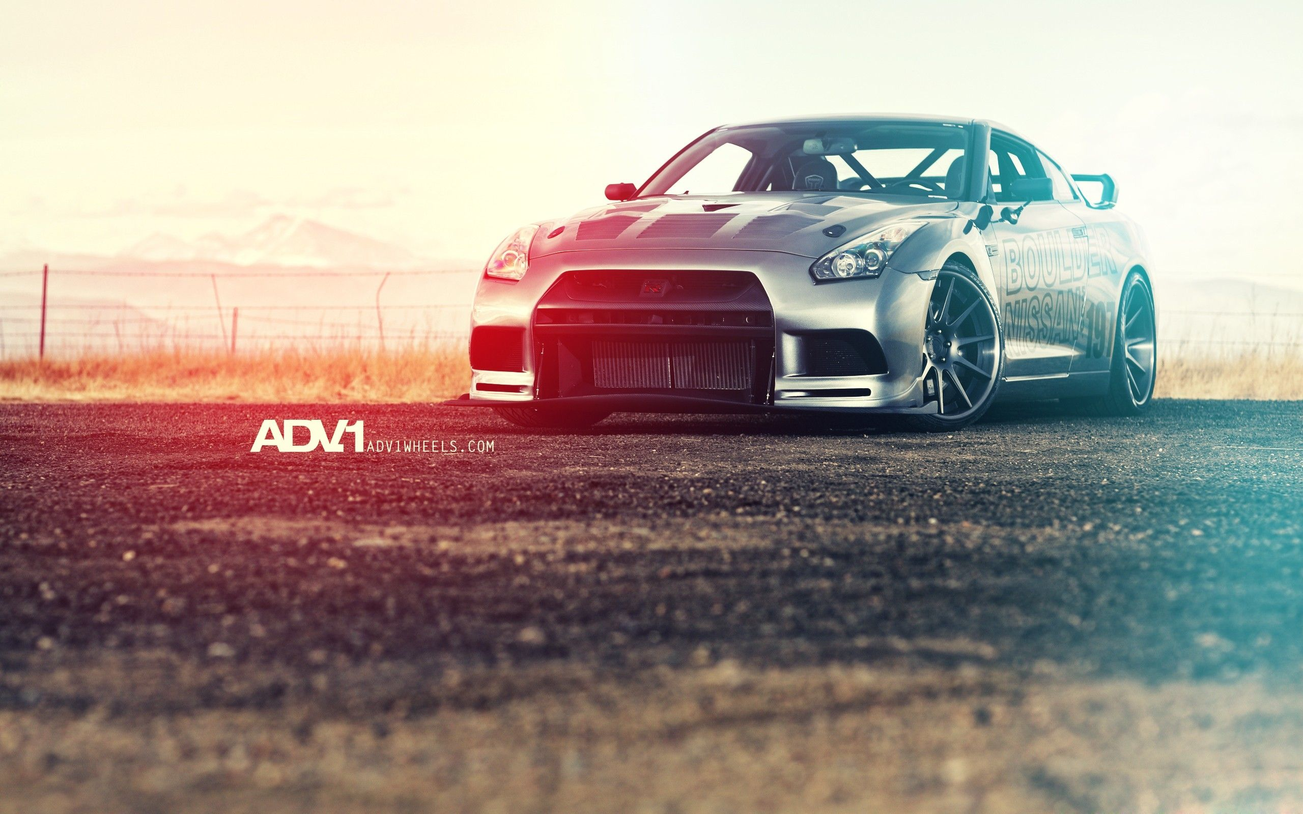2013 Nissan GT R Photo Wallpaper is hd wallpaper for