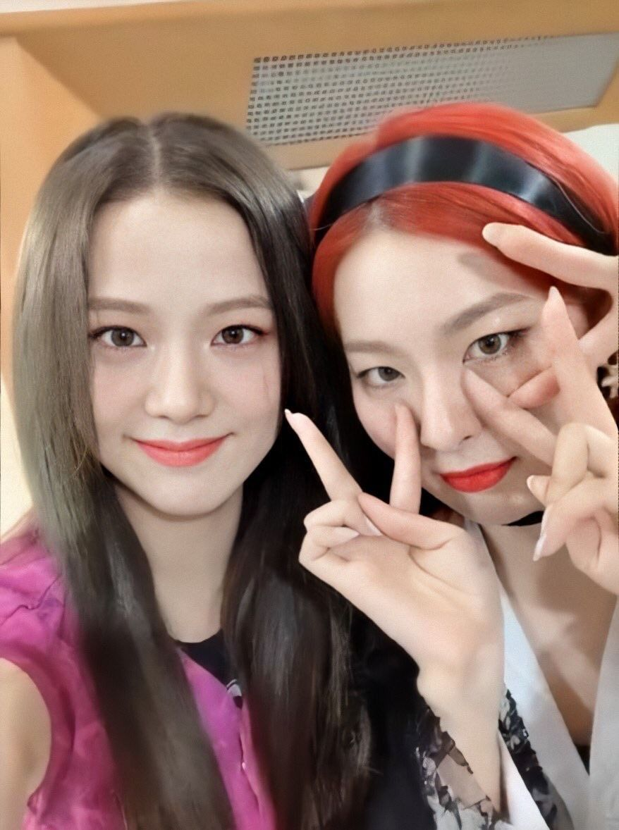 Jisoo and Seulgi of Red Velvet have a lovely friendship