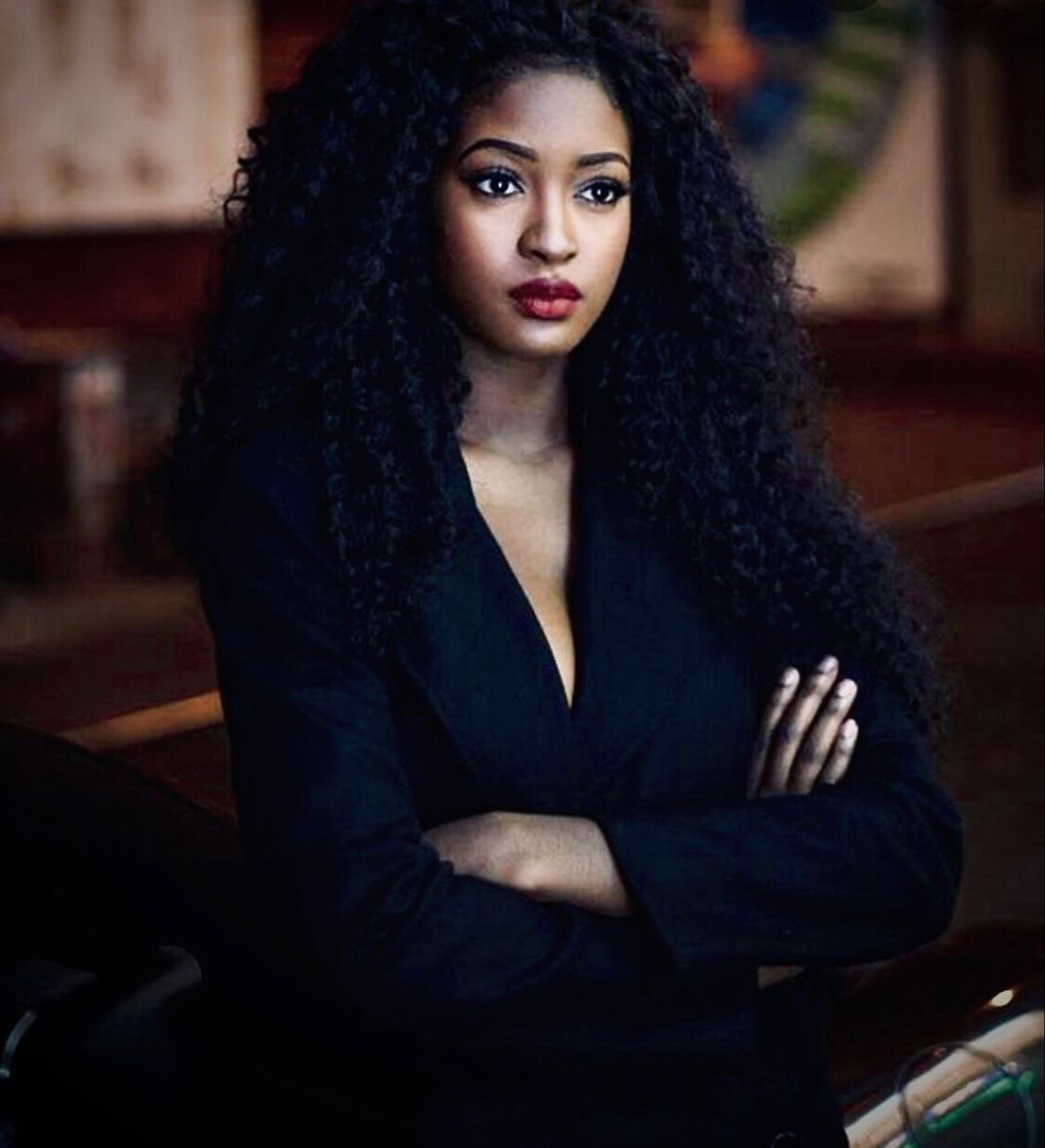 Sira Kante | Gorgeous 😍 in 2020 | Curly hair styles, Hair ...