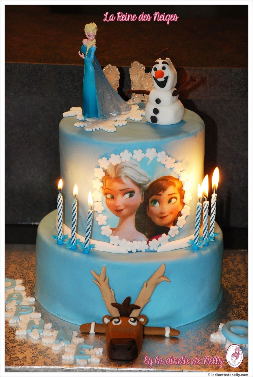 id e de gateau d 39 anniversaire princesse elsa du film la reine des neiges frozen couleur bleu. Black Bedroom Furniture Sets. Home Design Ideas
