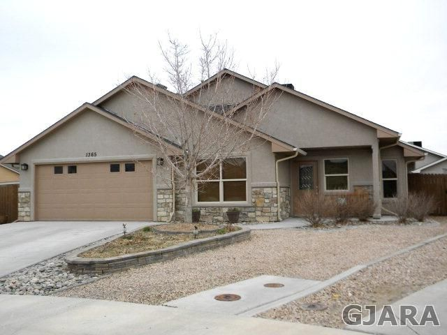 $269,900 (under contract) 1365 Monument Court, Fruita Homes For - land sales contracts