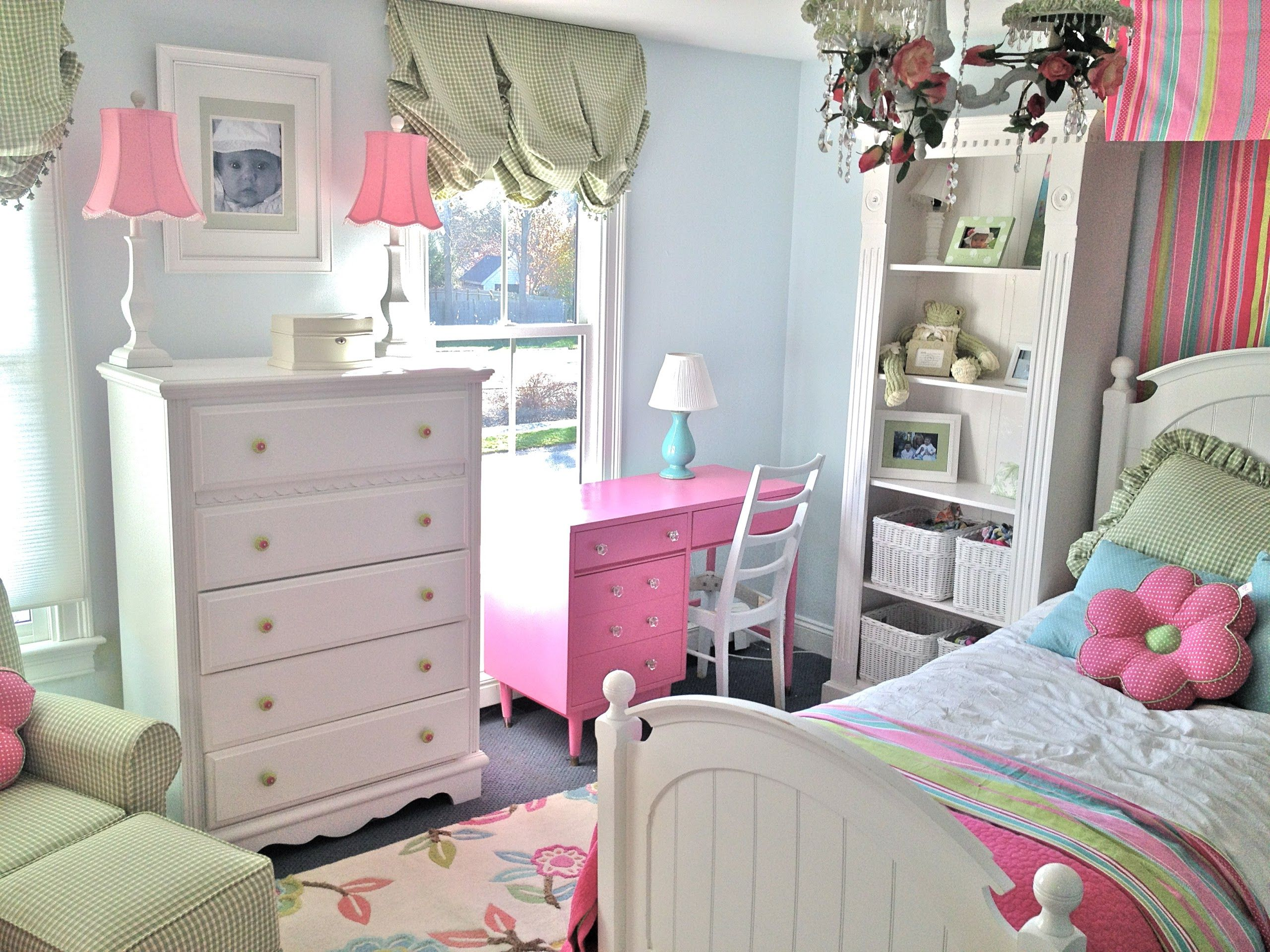 Bedroom ideas for teenage girls light pink - Cute White And Light Blue Room Decoration For Teen Girl Bedroom Feats Twin Pink Desk Lamp