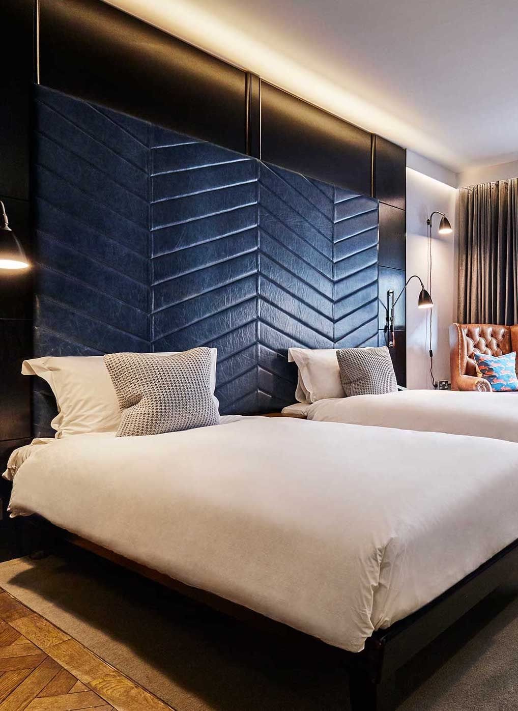 Shoreditch Design Rooms: Our Cosy-Twin Room Over At The Hoxton, Shoreditch