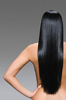 ¿Cabello sin brillo? – Mujeres 2.0   Los tratamientos en peluquería suelen ser muy costosos, además los químicos pueden dañar cabellos muy finos y delicados, aquí te damos un truco 100% natural, casero y accesible para solucionar este problema y tener un brillo intenso y espectacular.