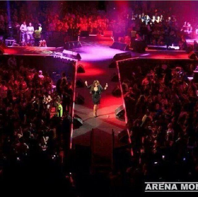 Jenni Rivera in her last concert...