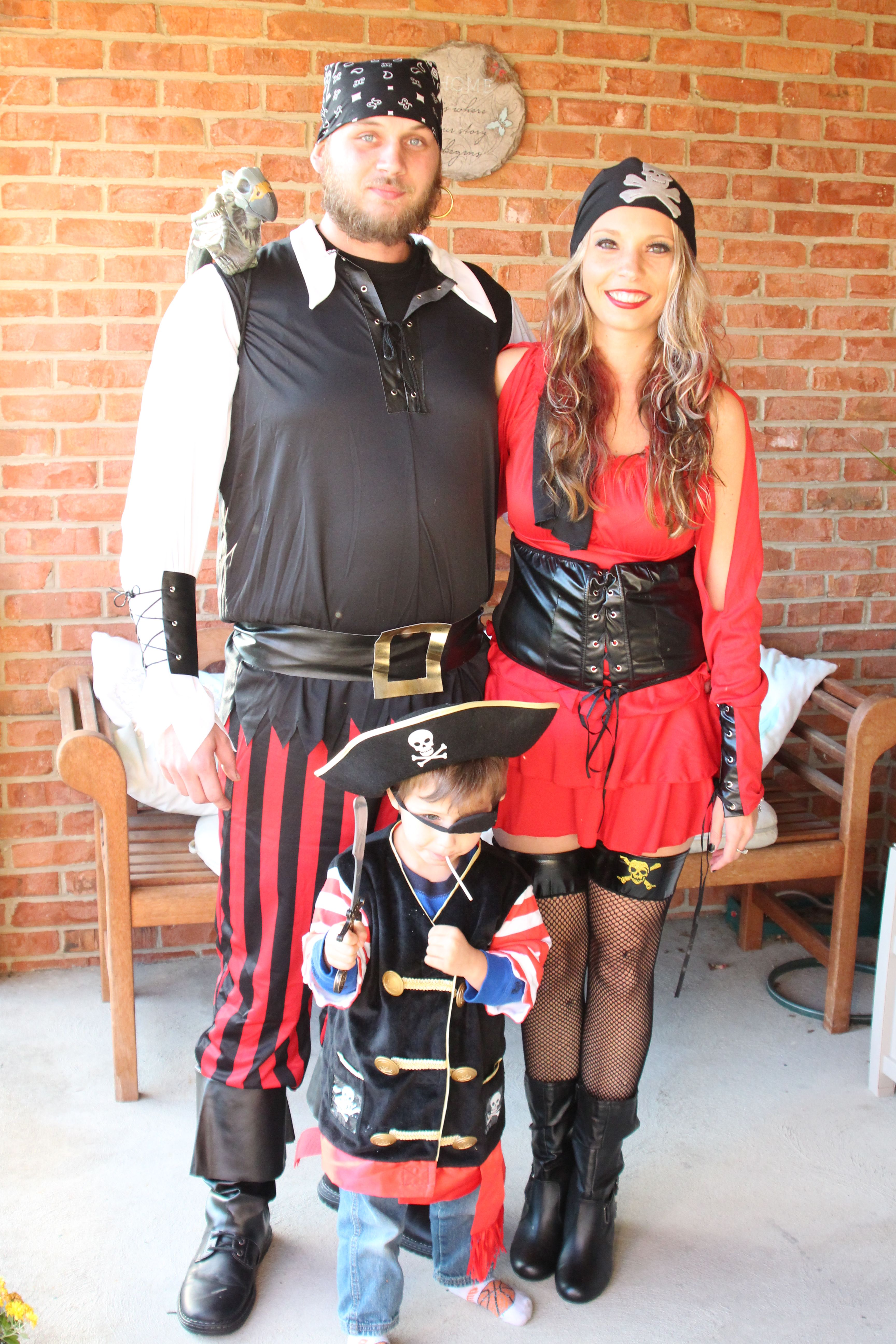 Pirate family costumes... | Just cool stuff... | Pinterest ...