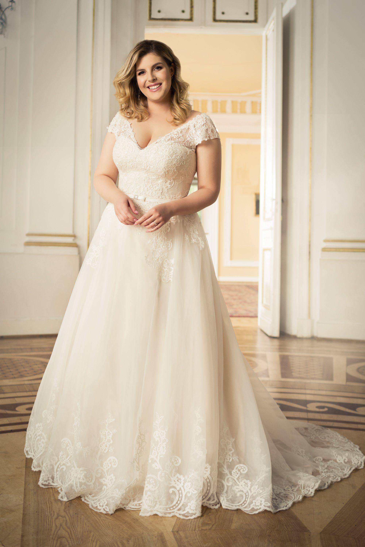 Langes Brautkleid für große Größen A-Linie Ivory Beige von ...