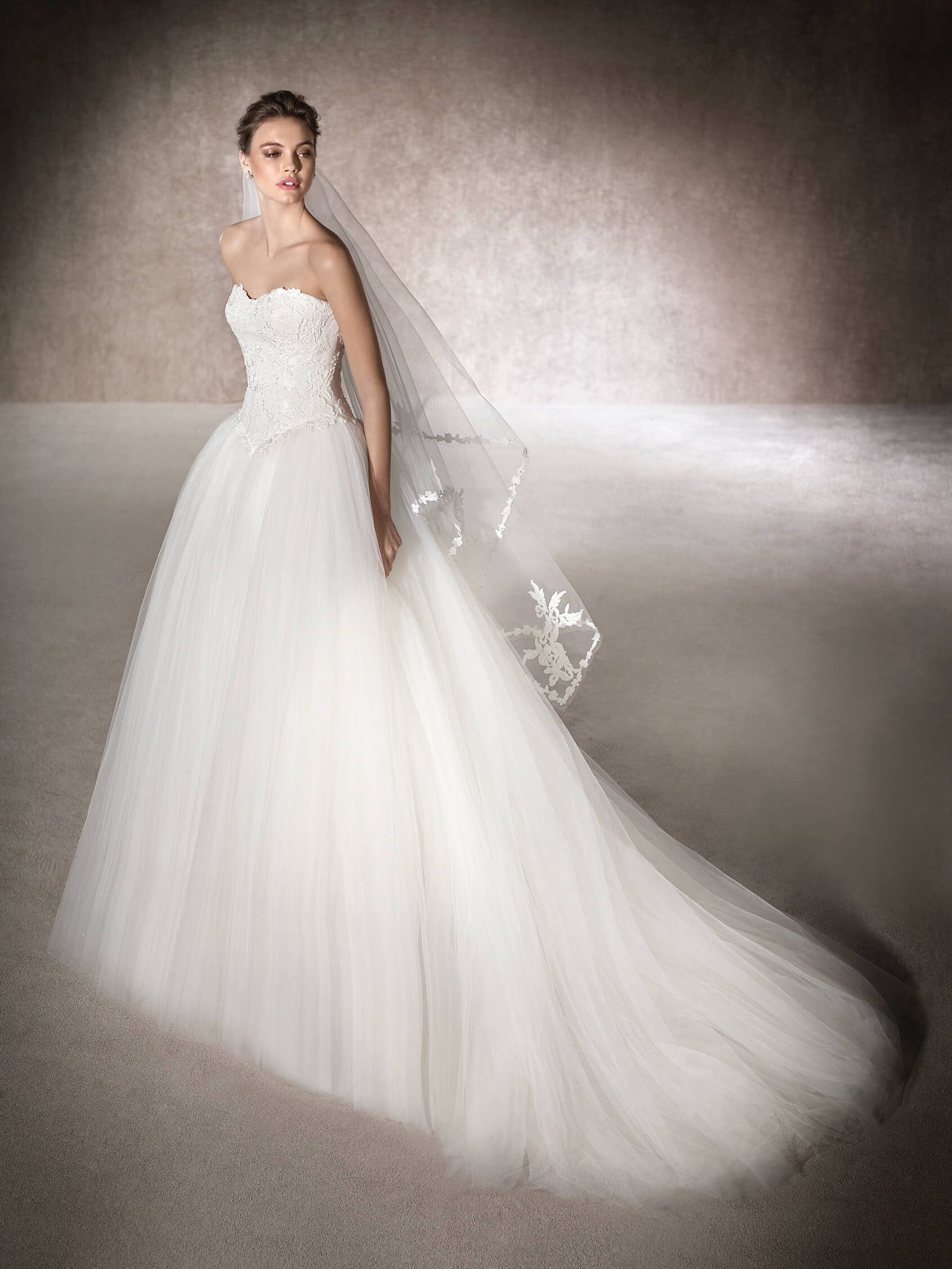 St patrick medea wedding dress in tulle lace guipure and