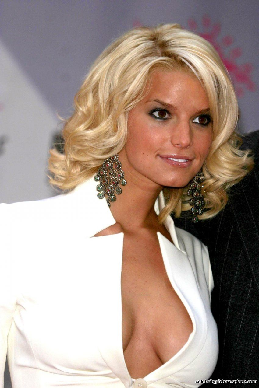 Jessica Simpson awesom...