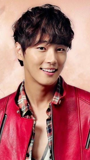 Yoon Shi Yoon ♥ 2009 High Kick Through the Roof ♥ 2010 Baker King, Kim Takgu ♥ 2011 Me Too, Flower! Seo Jae-hee ♥ 2013 Flower Boy Next Door Enrique Geum ♥ Happy Noodle ♥ Mr. Perfect ♥ Barefoot Friends