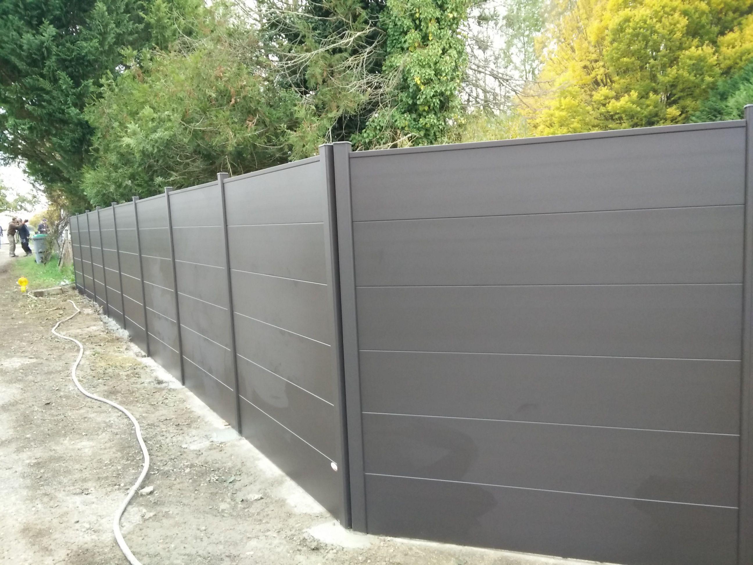 cl ture alu contemporaine larges lames pour un aspect moderne couleur gris brun ral 8019. Black Bedroom Furniture Sets. Home Design Ideas