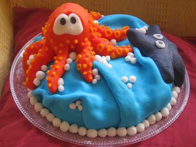 Excellent Birthday Cake Decorated With A Octopus And A Starfish Birthday Funny Birthday Cards Online Inifodamsfinfo