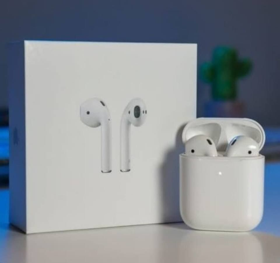 Brand New Apple Airpods 2nd Generation With Charging Case Wireless Earbuds Earbuds Apple Airpods 2