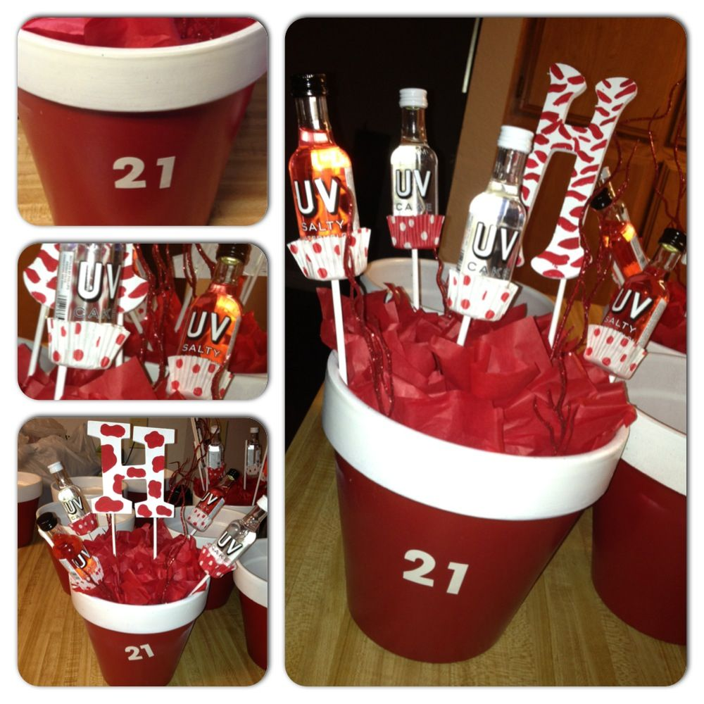 Best 25 21st birthday centerpieces ideas on pinterest for 21st bday decoration ideas