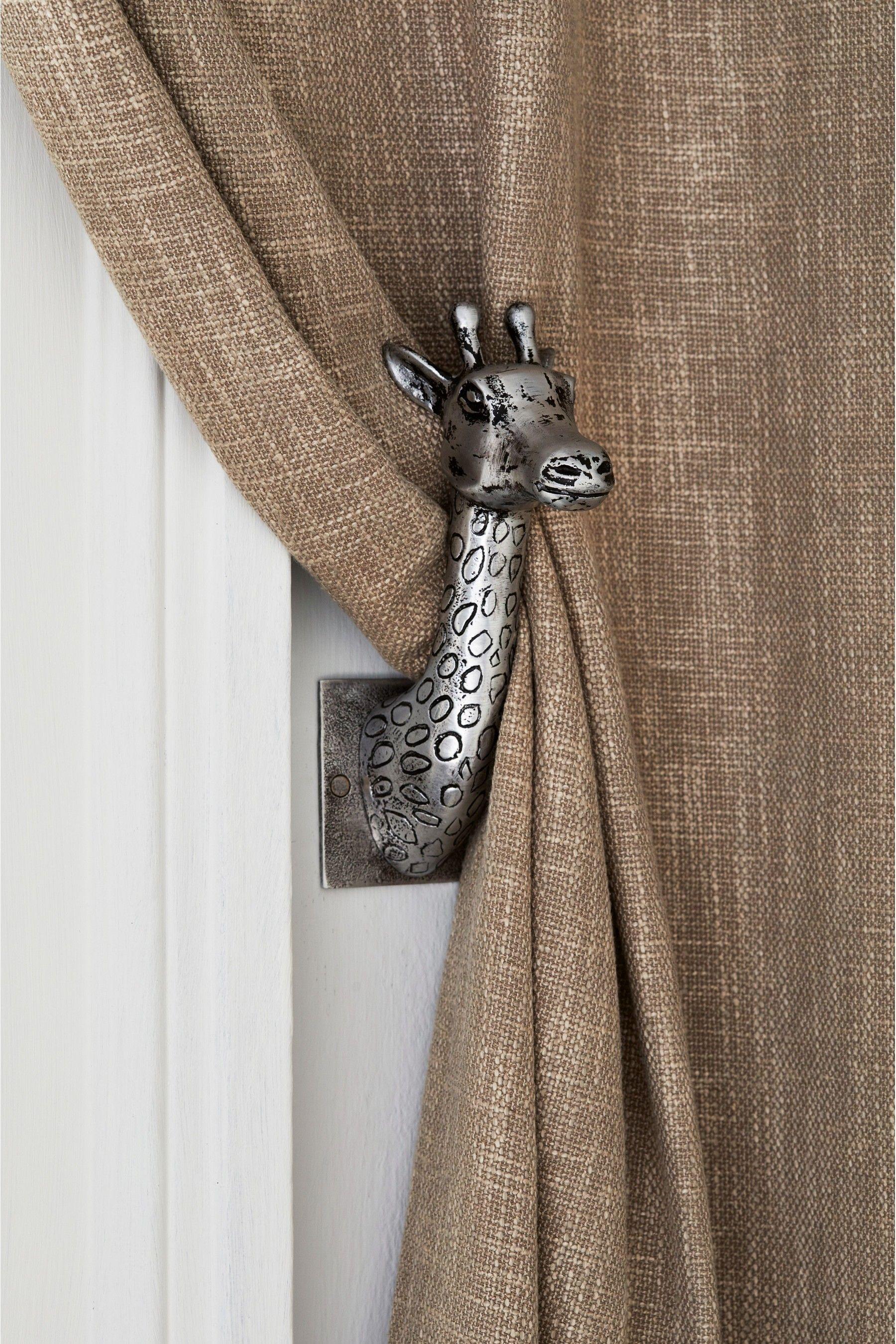 Set Of 2 Giraffe Hold Backs In 2020 Metal Curtain Tie Backs