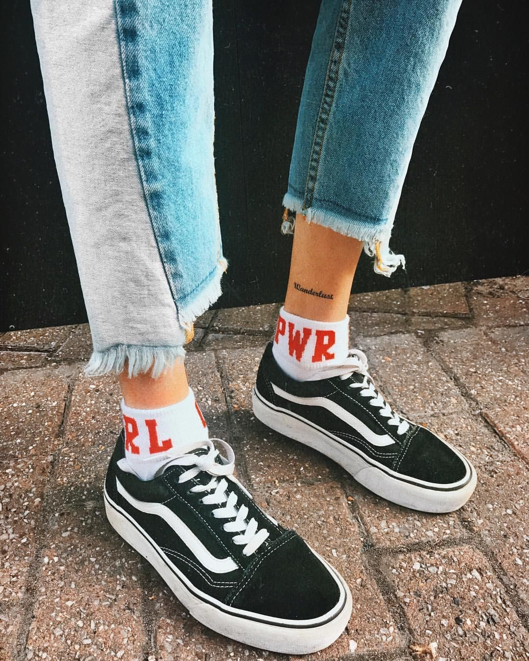 Chic Mix · Grunge OutfitsRetro OutfitsJeans ShoesShoes ...