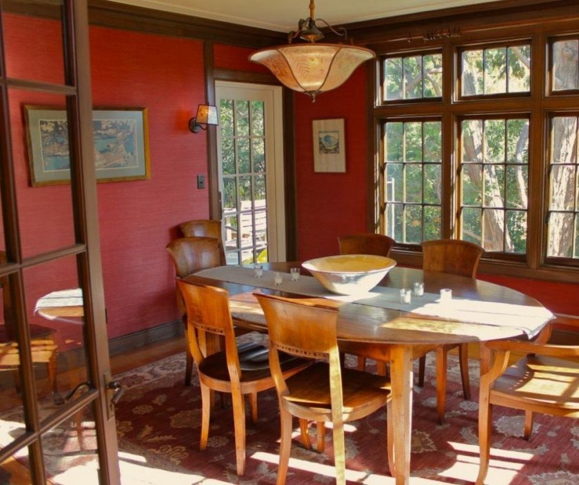The Stained Wood Trim Stays What Colors Will Work With It Pleasing Red Dining Rooms 2018