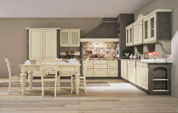 Cucine in finta muratura - Cucina con ante panna