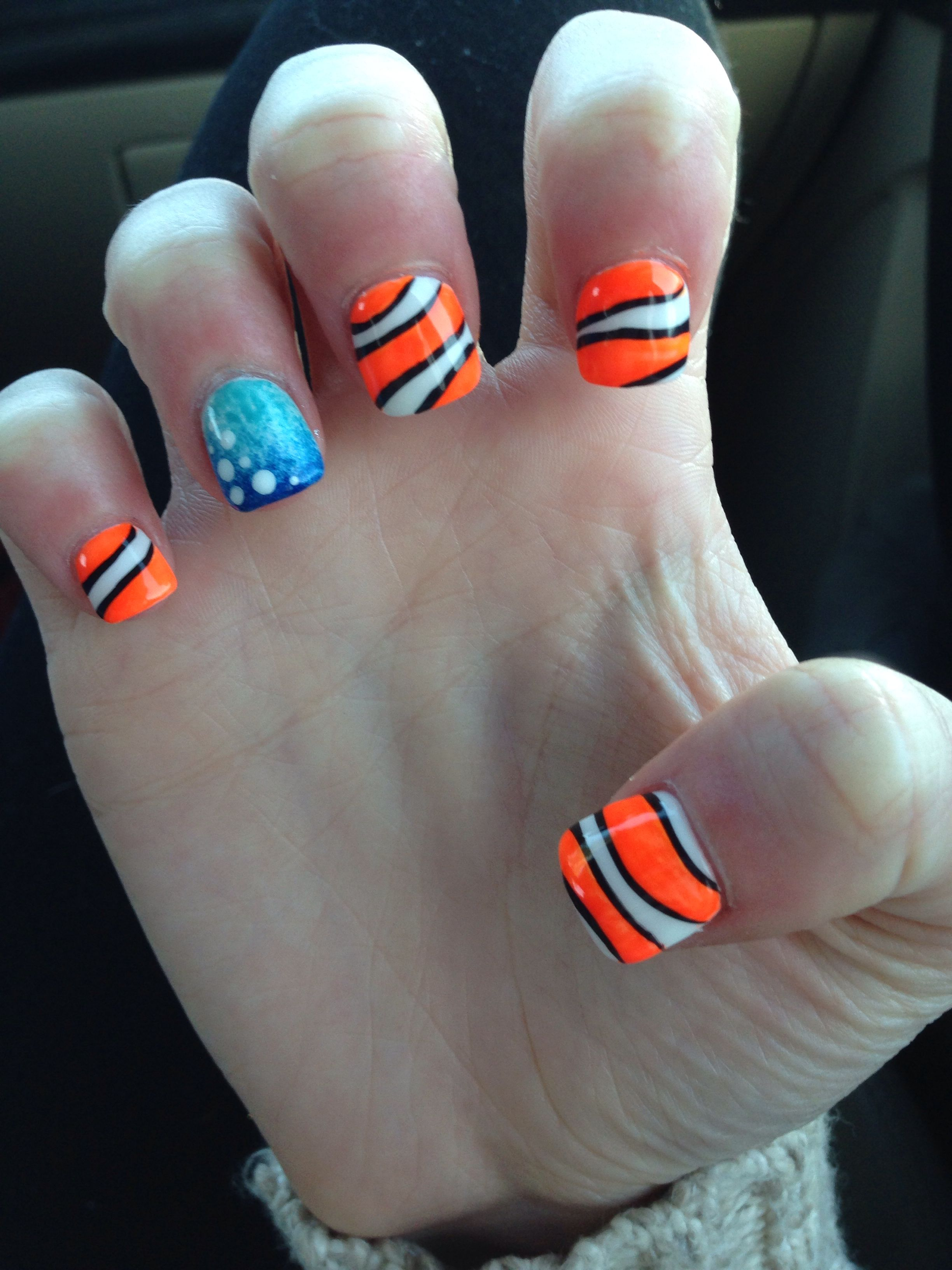 Disney nail art Nemo | Nails by Eric | Pinterest | Bunte Nägel ...