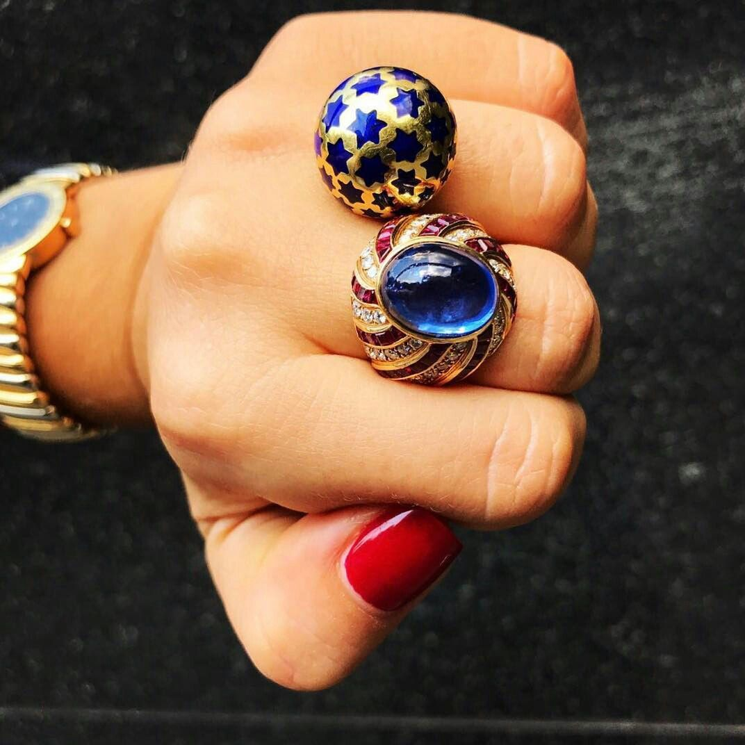 Stars and Stripes: An Illario Sapphire, Diamond and Ruby Ring (1980s) and A Gold and Blue Enamelled Stars Ring. #VintageJewels #diamonds #stardandstripes  #AntiqueJewels #Eleuteri  #Wunderkammer #AntiqueJewelry