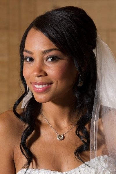 Wedding Hair Makeup Idea Half Up Hairstyle With Soft Waves And Veil Total Image Hair Air Black Wedding Hairstyles African Hairstyles Wedding Hair Beauty