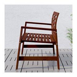 IKEA - ÄPPLARÖ, Bank met rugleuning, buiten,  , bruin, , Gebogen rugleuning voor een goed zitcomfort.Je kan het zitcomfort nog verder verbeteren en de bank wat persoonlijker maken door deze te completeren met een kussen in een stijl die bij je past.Voor extra slijtvastheid, en om de natuurlijke uitstraling van het hout te kunnen zien, is het meubel voorbehandeld met een laag halftransparante houtlazuur.