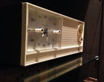Vintage Zenith Repurposed Clock Radio modified to play MP3/ Iphone / ipod / android / smartphone. All internals replaced with high end sound