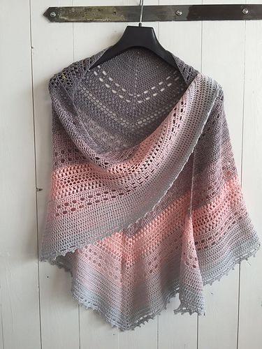 Bella Vita Shawl pattern by Wilma Westenberg | Chal, Ponchos y Tejido