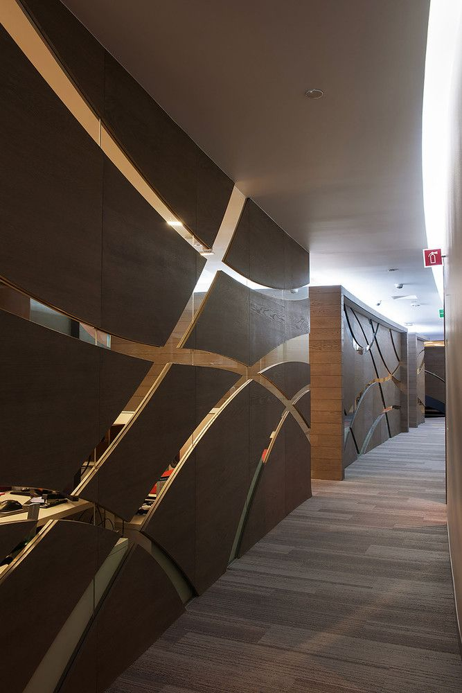 Galería de IENOVA / Sordo Madaleno Arquitectos - 17 Interiors - muros divisorios de madera