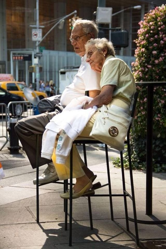 35 Photos of Cute Old Couples That Will Give You the Ultimate Relationship Goals!