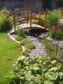 gartenteich mit bachlauf und brücke - Google-Suche | Garten / Garden ...