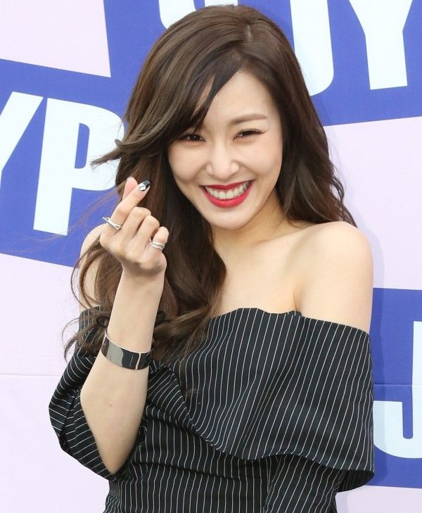 Tiffany / Stephanie Ƹ̵̡Ӝ̵̨̄Ʒ Hwang Mi Young