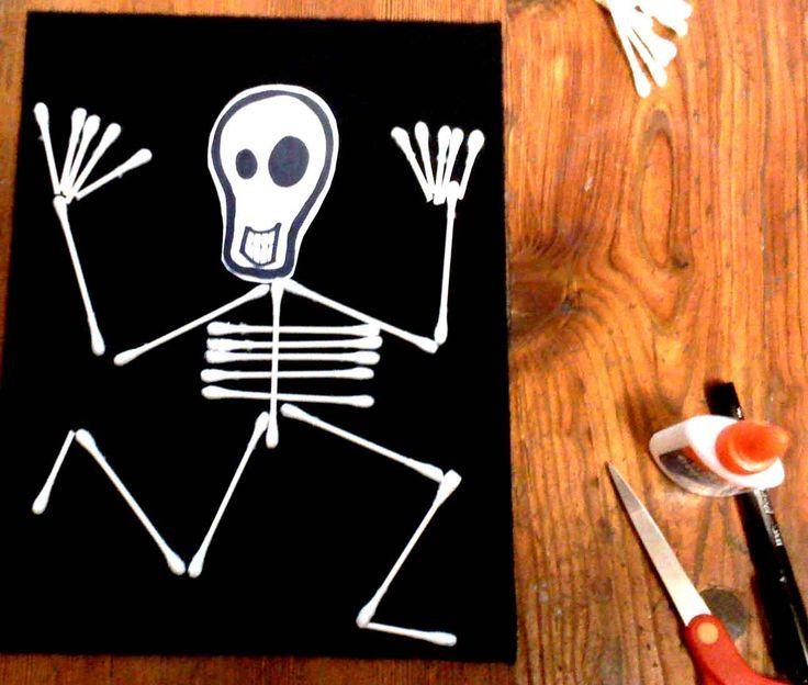 Halloween Knutseltips.Knutselen Halloween Skelet Oorstokjes Knutselen In 2019