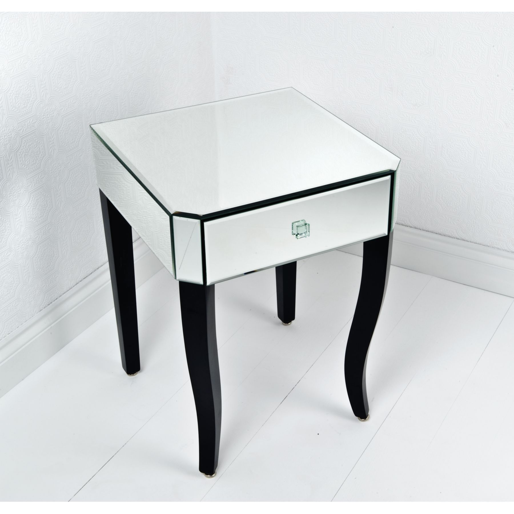 Mirrored side table. | Things I love | Pinterest | Mirrored side ...