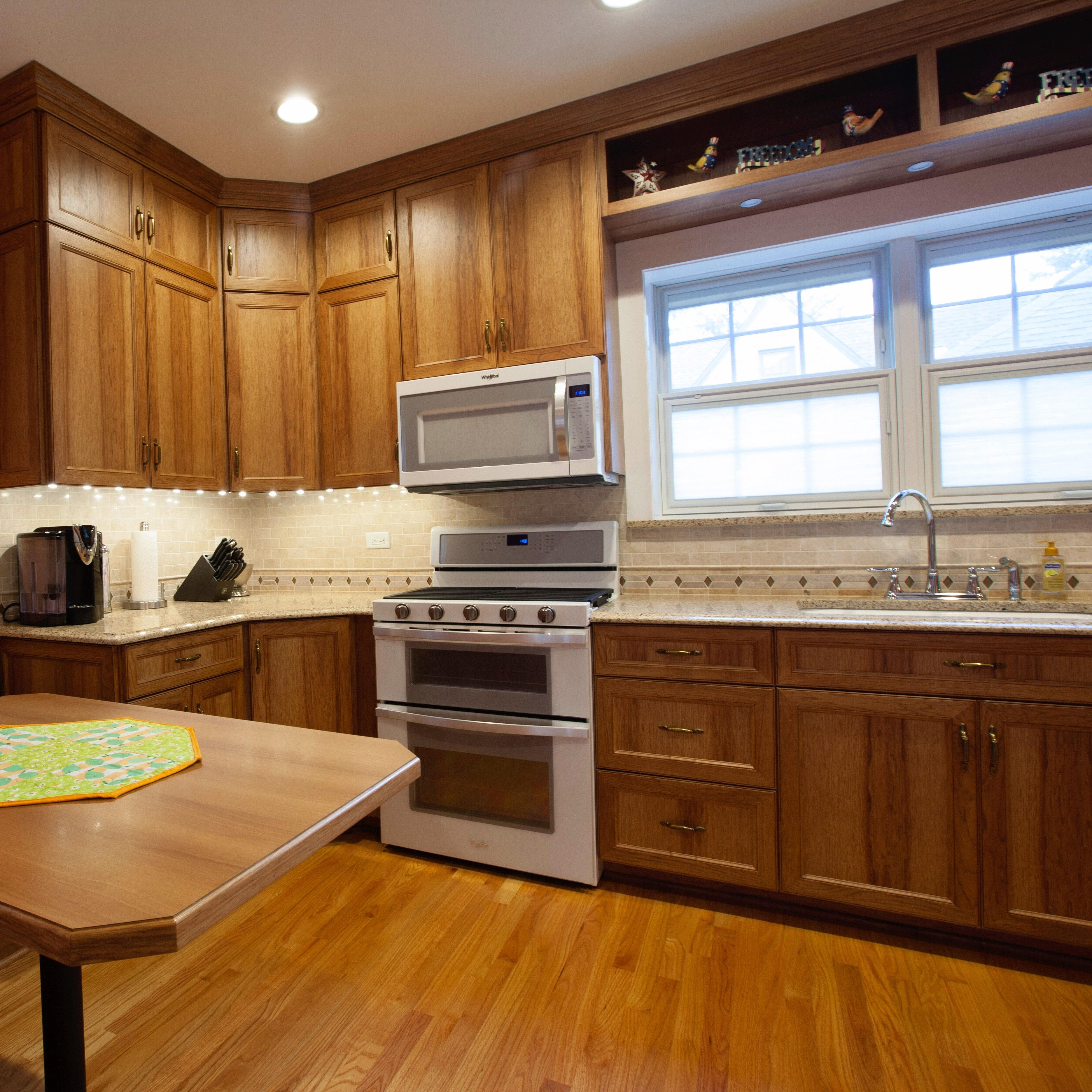 How About Hickory Did You Know That Tri Star Offers Over 10 Different Wood Species Selections For Your Cu Home Improvement Companies Quality Cabinets Cabinet