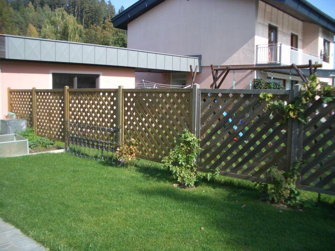 Sichtschutzwand aus kesseldruckimprägniertem Holz