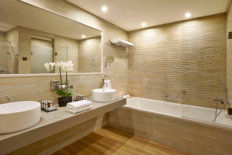 Luxury Bathroom Designs Gallery Modern Bathrooms Luxurious Master Small Lu Design