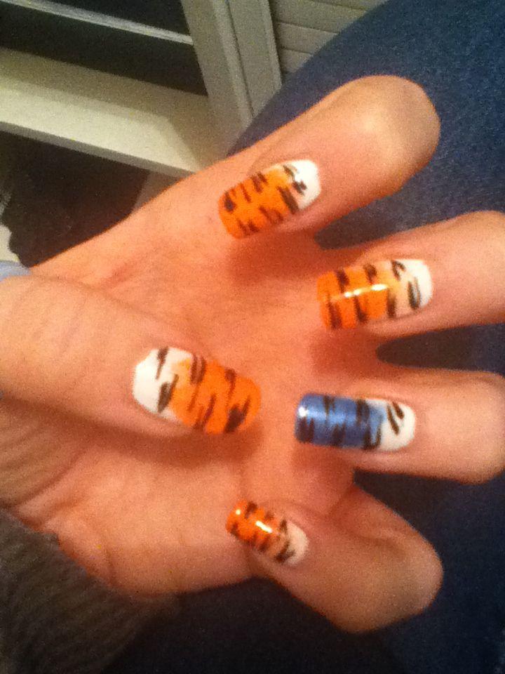 tiger nails 2013