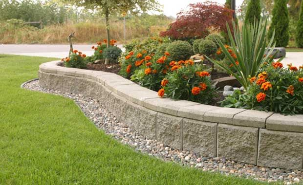 Corner Block Landscaping Ideas : Cinder block retaining wall with the installation