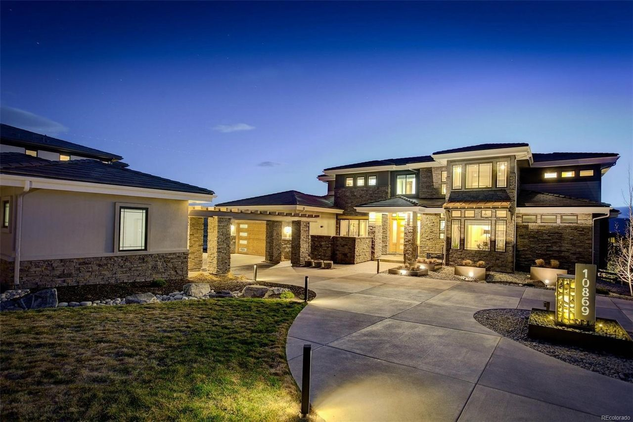 Great Denver Luxury Home Magazine Stunning Home With Luxurious Backyard Retreat  In Highlands Ranch Listed By: Fallon Properties | Coldwell Banker Devonshire
