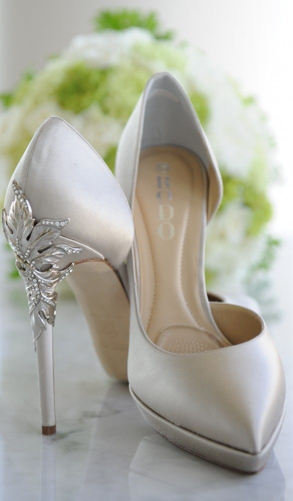 High Heeled Rodo Wedding Shoes With Its Unique Design