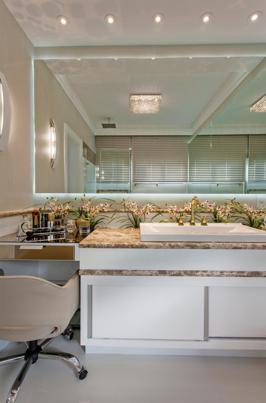 Casa moderna fachada sala jantar quarto banheiro lavabo for Casa moderna americana