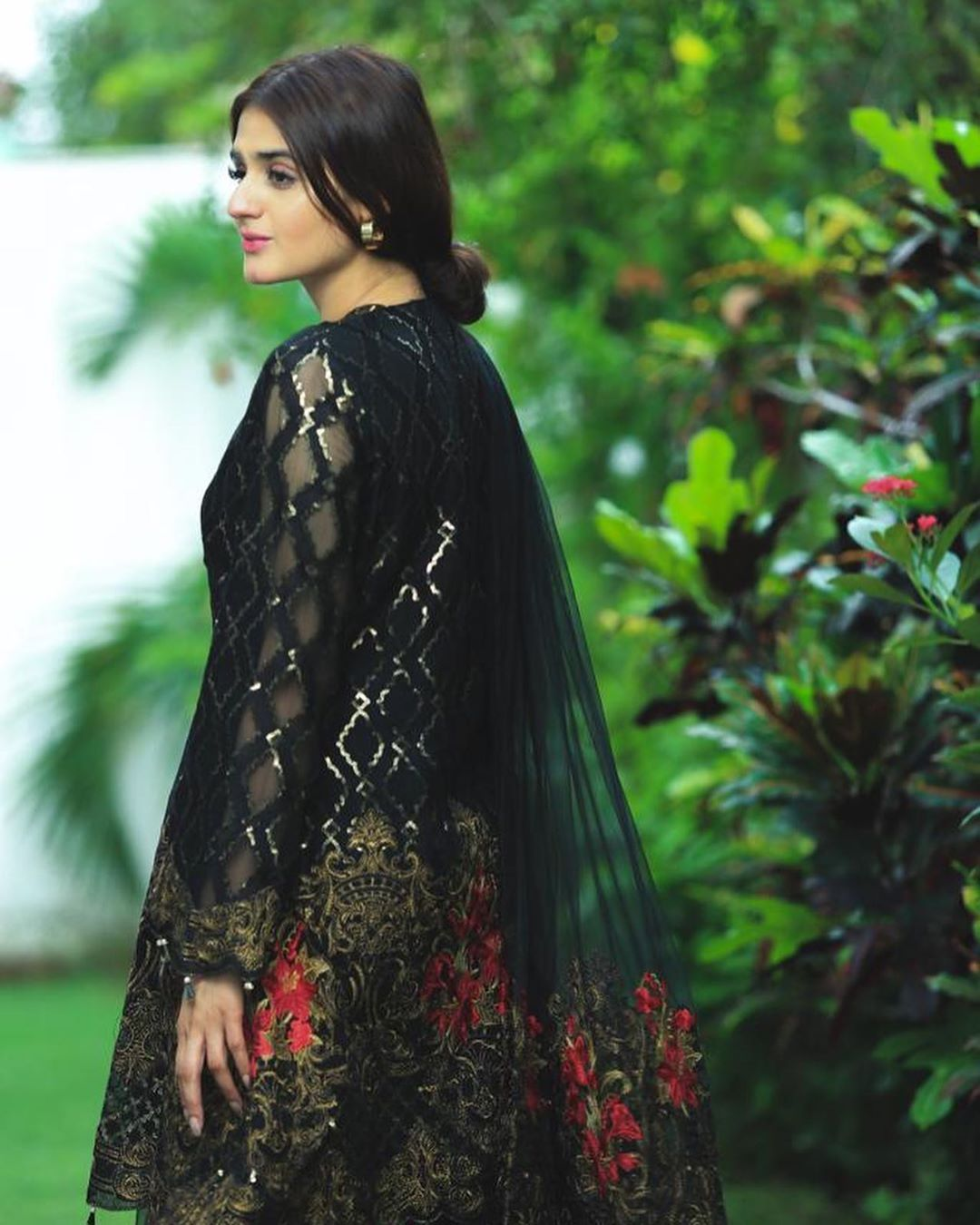 Hairstyle Girl Jora: Beautiful Hira And Mani Celebrating Eid-ul-Azha Clicks