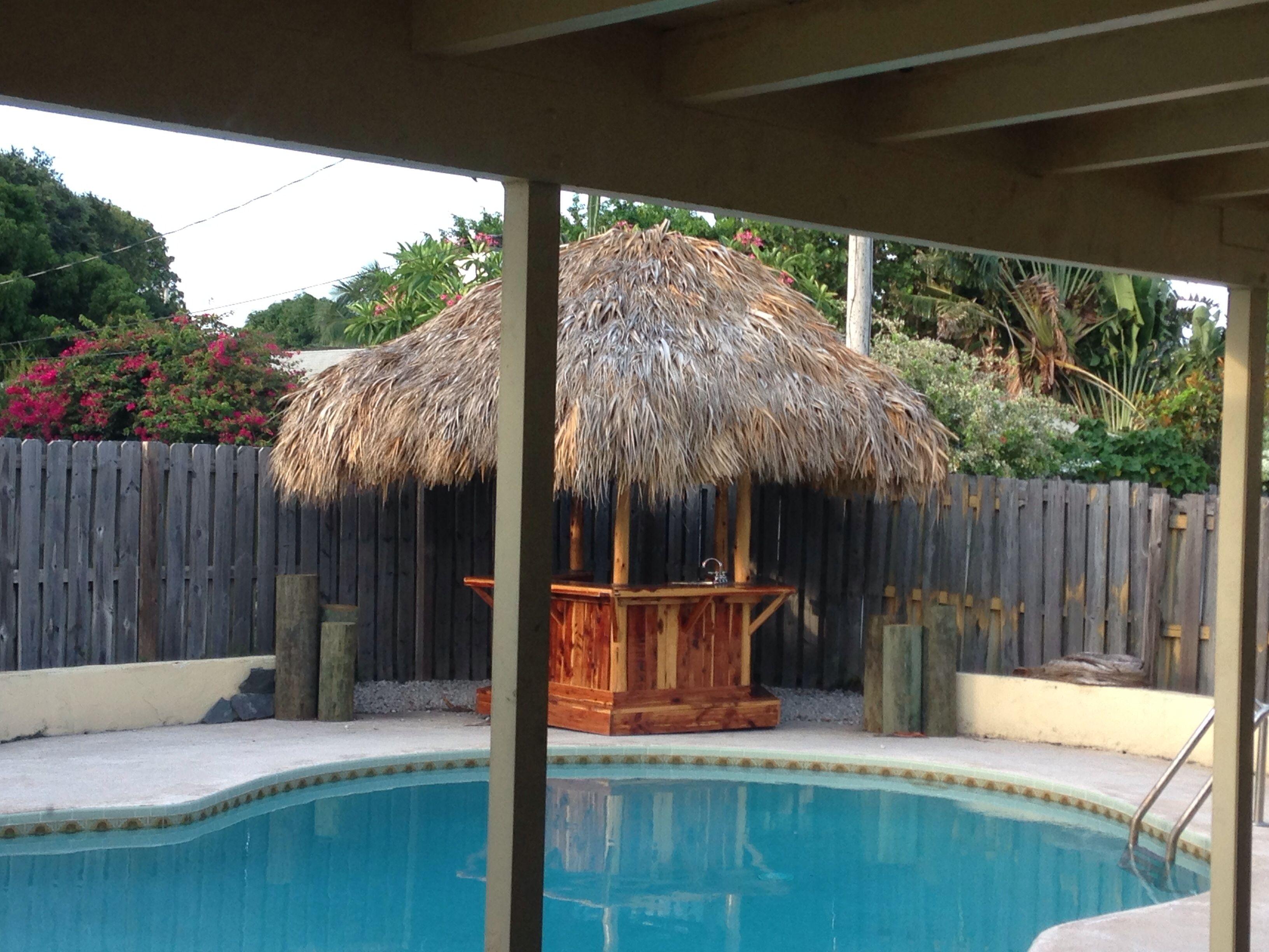Backyard tiki bar | New House Ideas | Pinterest on Tiki Bar Designs For Backyard id=32360