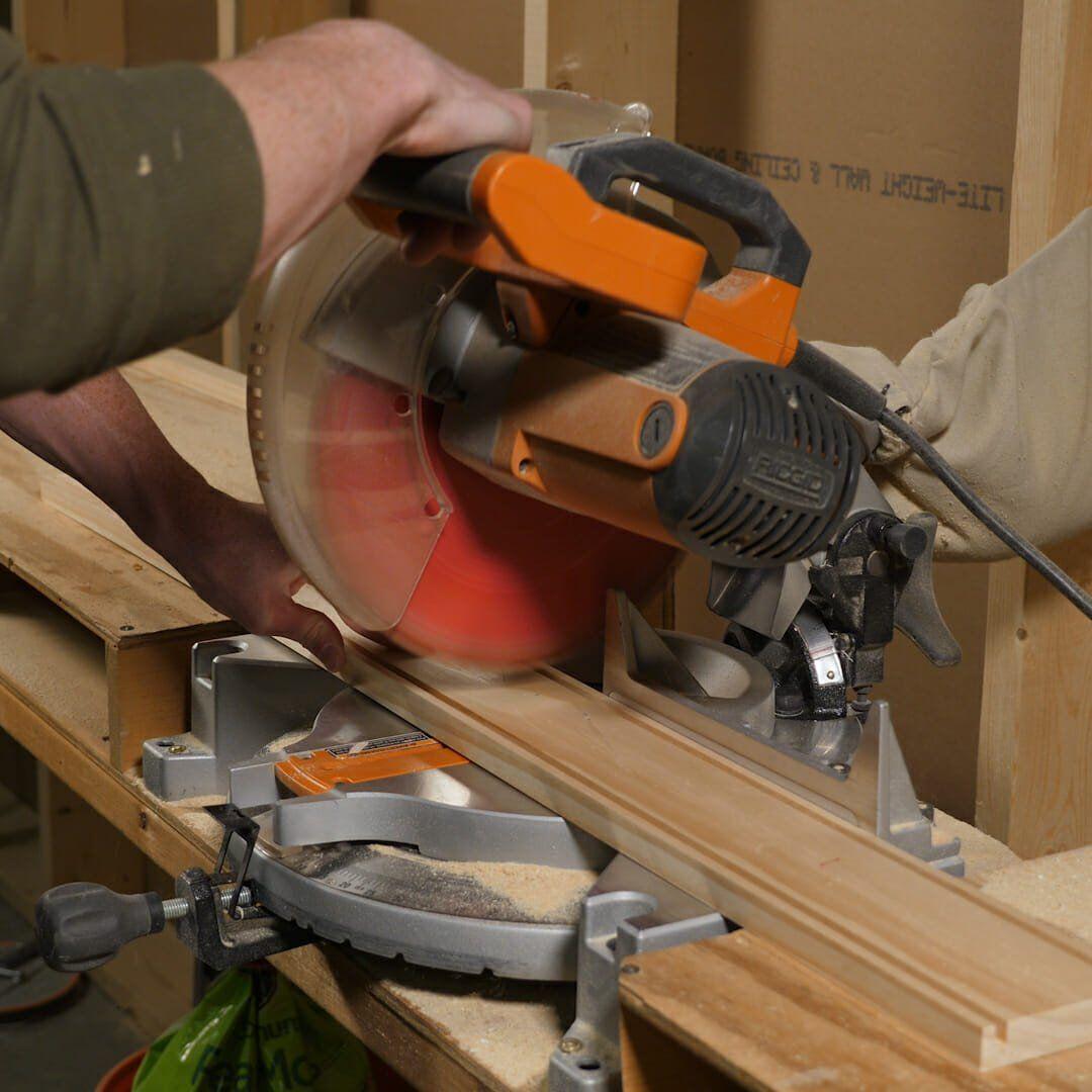 How To Build A Quick DIY Light Box #familyhandymanstuff