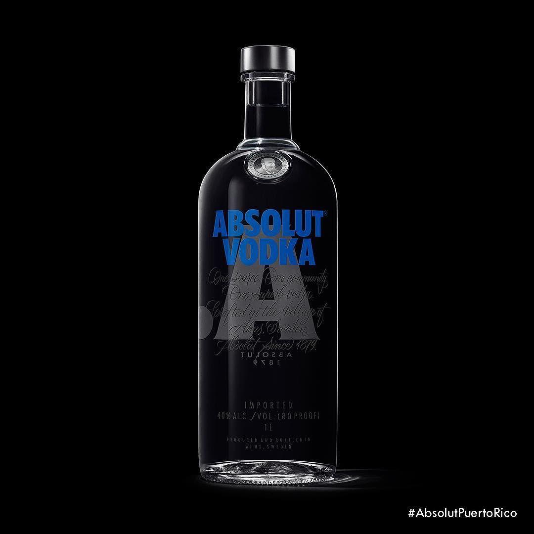 Esta es la nueva botella de Absolut. Cuándo la buscas? #AbsolutPuertoRico