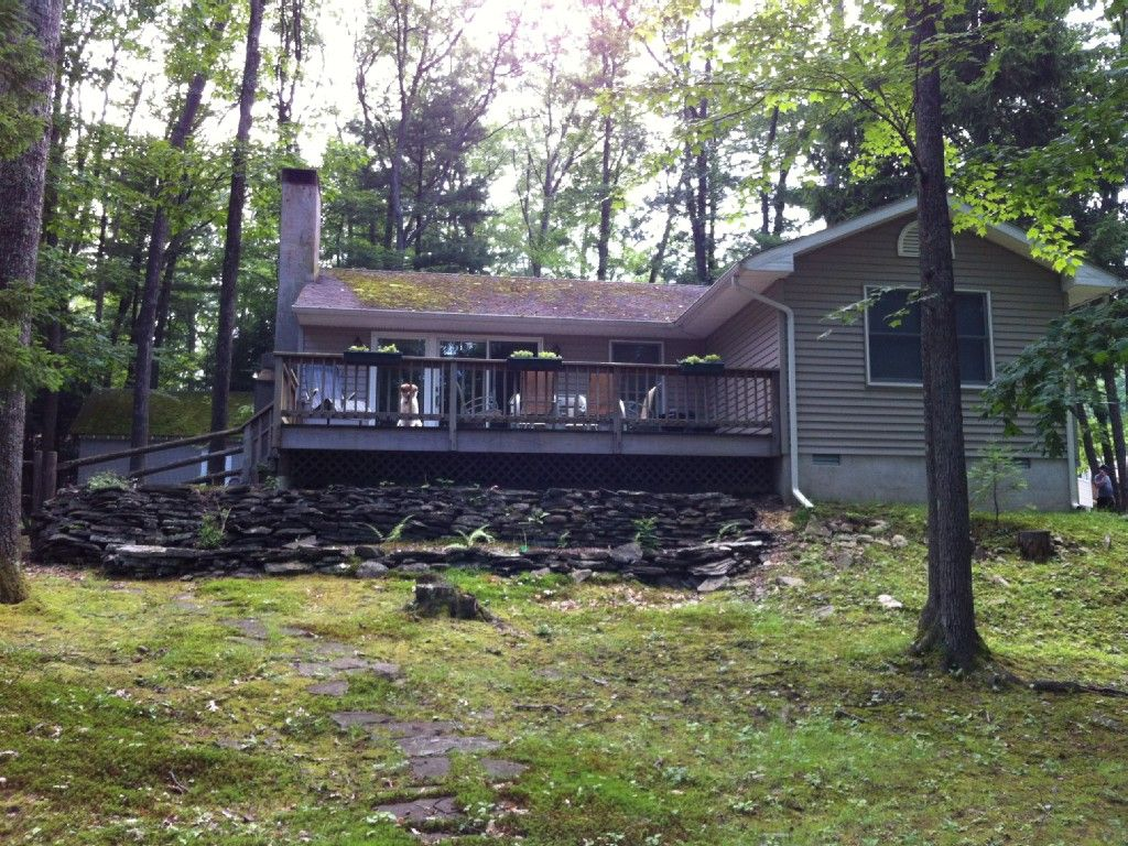 Cottage vacation rental in lakeville from
