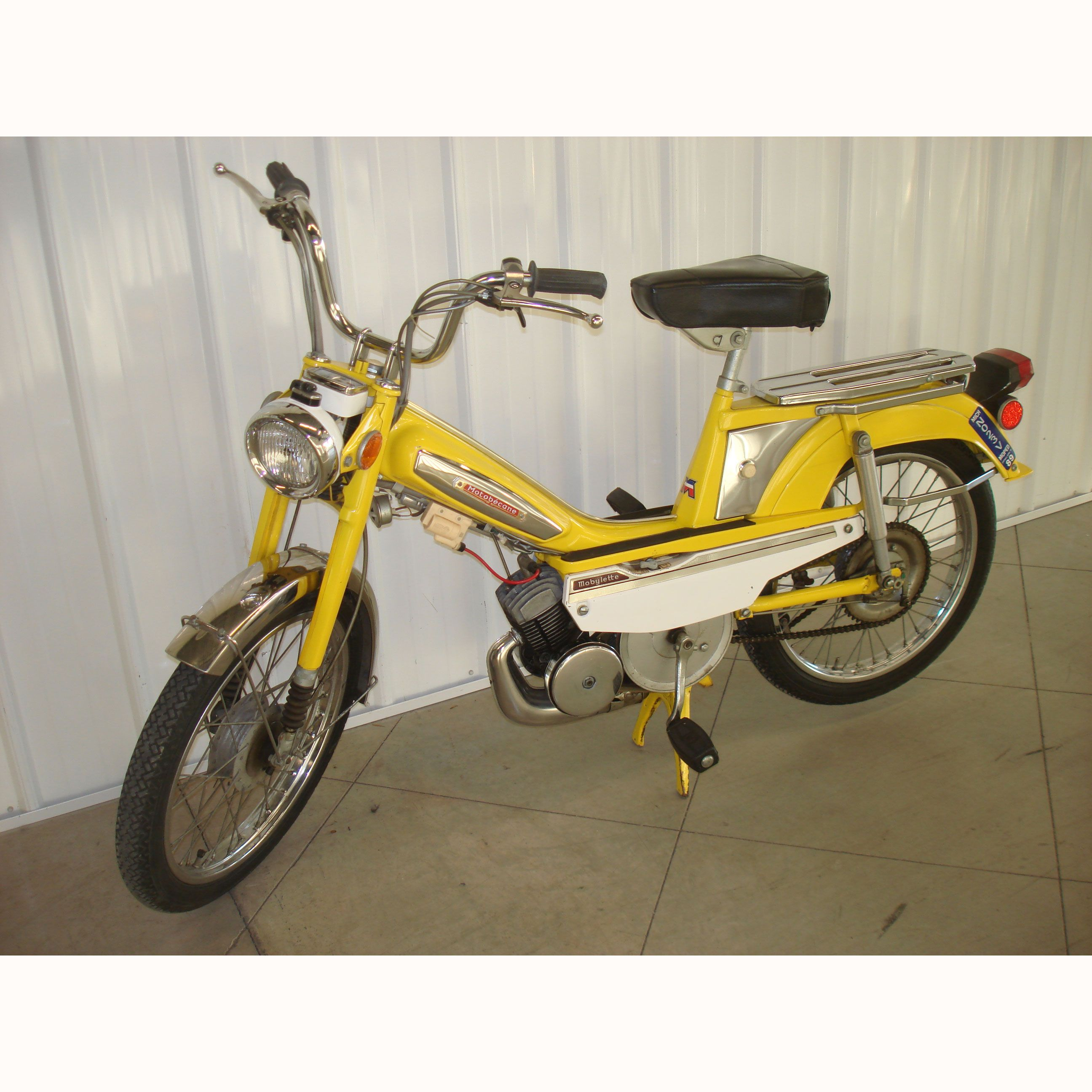 vintage 1976 motobecane 50cc mobylette moped cars pinterest mopeds moped scooter and scooters. Black Bedroom Furniture Sets. Home Design Ideas